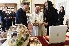 Intercambio de regalos entre el Papa y el presidente de Polonia