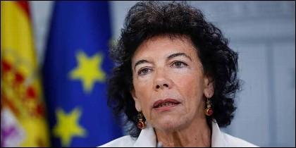 La ministra  Isabel Celaá, en La Moncloa.
