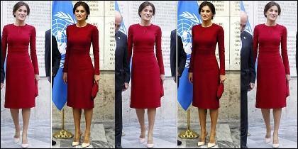 El vestido rojo de Letizia y las curvas reales.