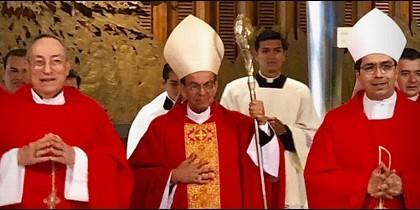 Cardenal Rosa Chavez en la canonización de mons. Romero
