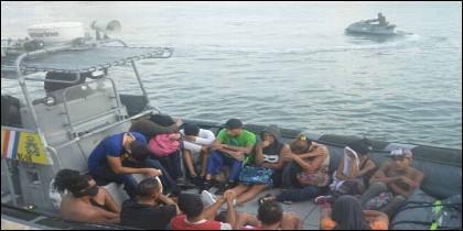 Balseros venezolanos llegan a Curazao