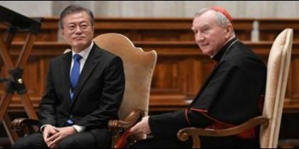 El presidente Moon y el cardenal Parolin