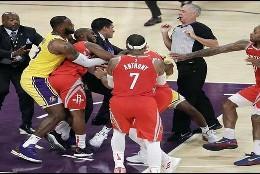 Pelea en la NBA, Lakers contra Rockets