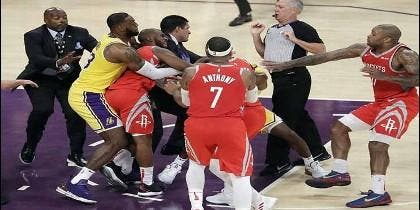 Pelea en la NBA, Lakers contra Rockets