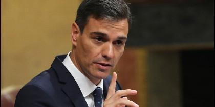 Pedro Sánchez amenazando en el Congreso a Casado con romper relaciones