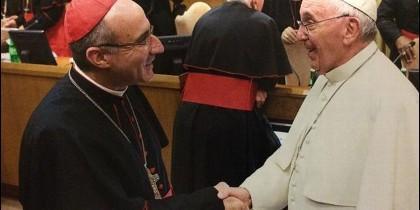 Francisco saluda al cardenal Sturla