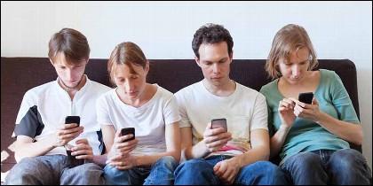 Teléfono móvil, redes sociales y una generación de idiotas.