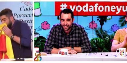 Dani Mateo sonándose los mocos y a la derecha en el programa que aún patrocina Vodafone.