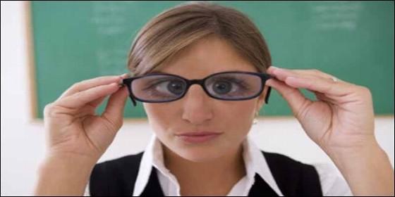 Educación, profesora, clase, alumno y lo políticamente correcto.