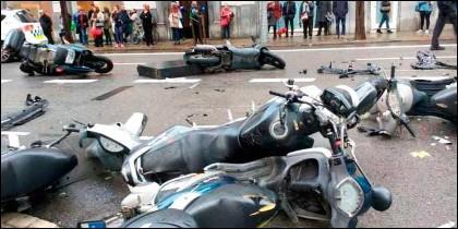 Motos arrolladas por el vehículo