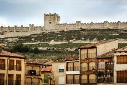 Imagen del Museo del Vino desde la Plaza del Coso de Peñafiel