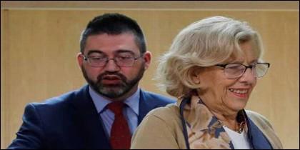 Manuela Carmena, y el concejal Carlos Sánchez Mato.