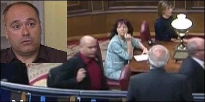 El diputado de ERC Jordi Salvador en el momento que escupe al ministro de Exteriores, Josep Borrell.