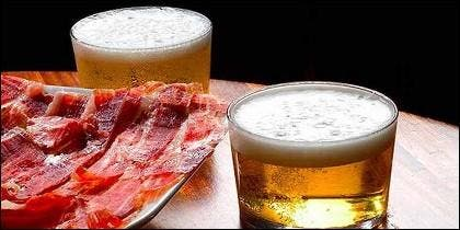Jamón ibérico y caña de cerveza.