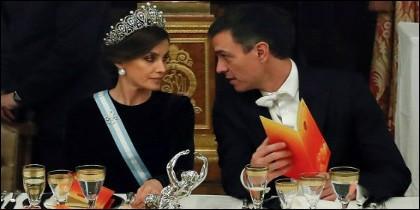 La reina Letizia y Pedro Sánchez en la cena de gala en honor del presidente chino
