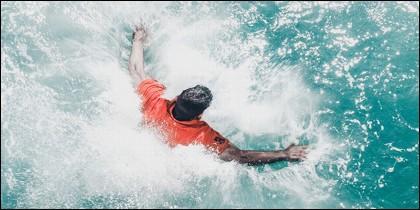 Hombre al agua