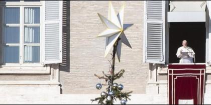 El Papa, en la ventana en adviento