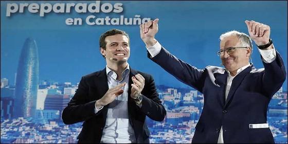 Pablo Casado, junto al candidato del PP por Barcelona, Josep Bou.