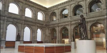 La pinacoteca madrileña, en su bicentenario, cede el claustro para este evento solidario