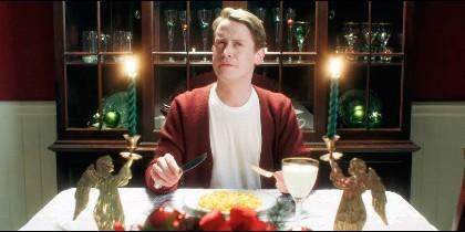 Macaulay Culkin ahora recreando 'Solo en casa'