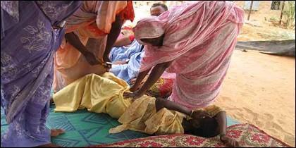 Mutilación genital en Sierra Leona.
