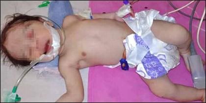 El bebé que nació mientras su madre se suicidaba y sobrevive.