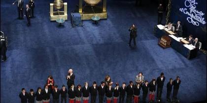 El escenario del Teatro Real, sin badera.