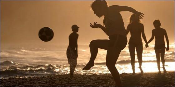 FÚTBOL: Gigi Becali discriminó al fútbol femenino con machistas declaraciones