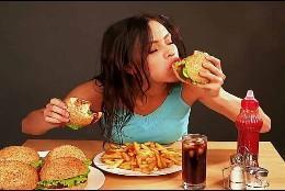 Dieta, calorías, hamburguesa y comida tradicional.
