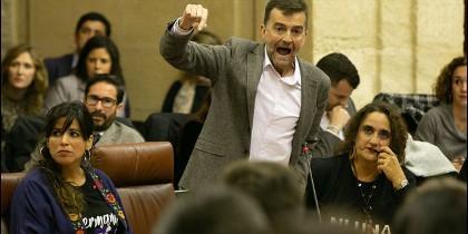 Antonio Maíllo fuera de sí en el parlamento andaluz