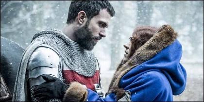 La Reina de Aragón en la serie 'Knightfall' de Netflix.