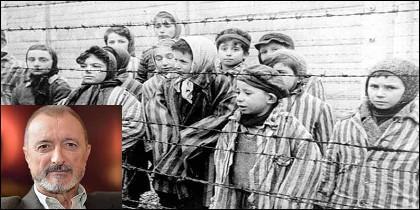 Pérez-Reverte y niños judíos en el campo de concentración de Auschwitz.