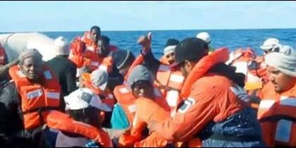 El obispo de Goza (Malta) exige 'abrir nuestras puertas' a los inmigrantes