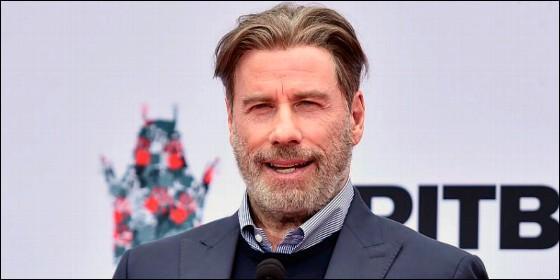 John Travolta se rapa para iniciar 2019