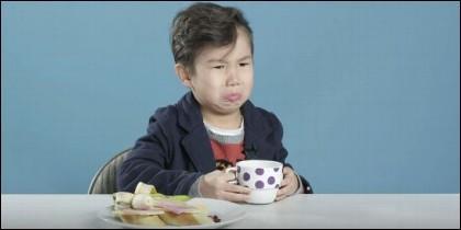 Reacción de los niños a desayunos extranjeros