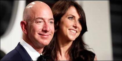 Jeff Bezos con MacKenzie.
