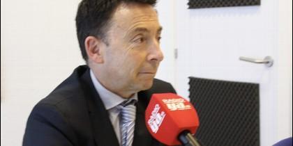 Carlos Cava.