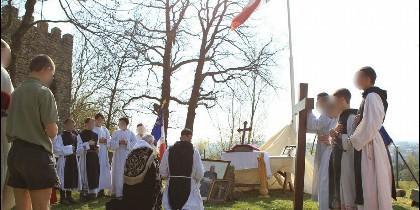 Del Instituto de la Santa Cruz de Riaumont, grupo tradicionalista dependiente de Ecclesia Dei
