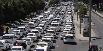 Taxi, taxista, tráfico, y huelga contra las VTC.