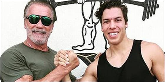 This son of Arnold Schwarzenegger publishes a photo copying the