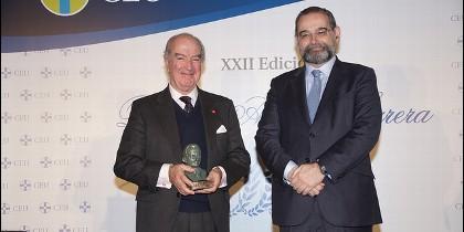 Antonio Sáinz de Vicuña recoge el premio