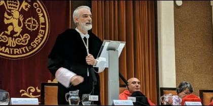 Julio L. Martínez, sj. hace una encendida defensa de la ética ante la comunidad universitaria