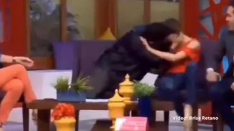 Funcionario de Sonora acosa a conductora en programa de TV