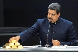 Nicolás Maduro con el oro venezolano