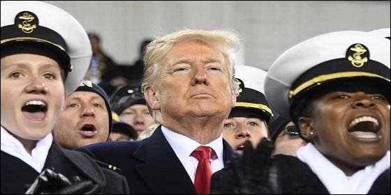El prersidente Donald Trump, el Pentágono, los marines y la guerra.
