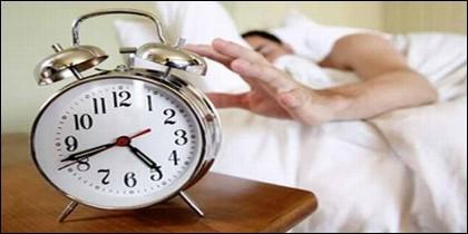Dormir, madrugar, descansar y despertador.