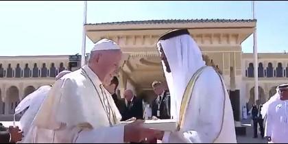 El Papa y el primer ministro de Emiratos