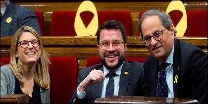 Los independentistas Artadi, Aragonès y Torra, en el 'Parlament' de Cataluña.