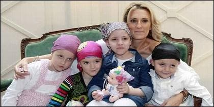 Mónica Esteban y su lucha personal contra el cáncer infantil.