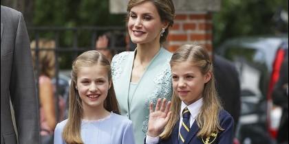 Doña Letizia y sus hijas Leonor y Sofía.